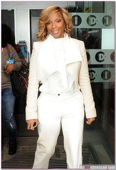 Mary J. Blige in white - Gossip Rocks Forum