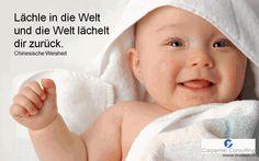 Bringen Sie dieses Wochenende einen Menschen zum Lächeln ;) -> schönes Wochenende!