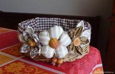 Плетение простых корзинок из газетных трубочек