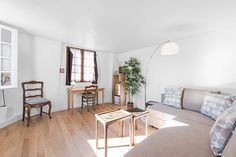 Lovely duplex 2 bedroom flat in the heart of Paris: close to Notre dame de Paris. Fitting up to 5 guests.