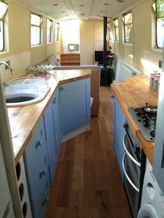 Narrowboat interior ideas with plenty of Narrowboat Kitchen, Narrowboat Interiors, House Boat Interiors, Canal Boat Interior, Yacht Interior, Houseboat Living, Houseboat Ideas, Houseboat Decor, Pontoon Houseboat