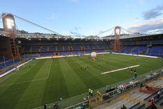 Interior Estadio Luigi Ferraris, Génova, Italia. Capacidad 36.599 espectadores, Equipos locales: Genoa (1911-presente) y Sampdoria (1946-presente).