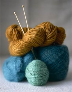 Kaffe fasset stripe pattern using these colours with my rowan, kid silk and yarn from Thimbles Wool Yarn, Knitting Yarn, Knitting Patterns, Crochet Patterns, Knitting Needles, Blue Yellow Weddings, Berlin Mitte, Paper Moon, Yarn Thread