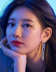 Suzy at Dior 2020 SS Ready to Wear Collection Show in Paris Fashion Week Cute Korean, Korean Girl, Asian Girl, Kpop Girl Groups, Kpop Girls, Suzy Instagram, Girls Generation Jessica, Instyle Magazine, Cosmopolitan Magazine