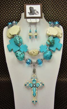 TURQUOISE CHUNKY Cowgirl Statement Bold Western Style Necklace with Cross Pendant - TuRQUoiSe ReFLecTioNs on Etsy, $58.50