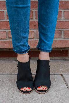 6ab22068397f Black Faux Leather Strappy Block Heels Morgan-26