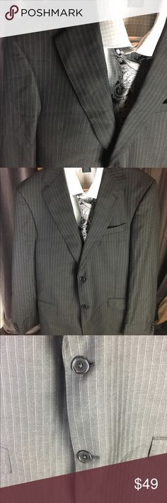 "DANIEL CREMIEUX Loro Piana Italy Stripe BLAZER 42L ""DANIEL CREMIEUX"" MENS 2 BUTTON Loro Piana Italy Stripe BLAZER/SPORT COAT SZ 42L Measurements are taken flat and are approximate Please compare to your own clothing to insure fit  • 25.5 inches arm length shoulder to wrist  • 19 inches width armpit to armpit  • 19 inches width on back shoulder to shoulder  • 31 inches length Daniel Cremieux Suits & Blazers Sport Coats & Blazers"