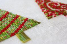 Modern Cross Stitch Pattern - Christmas Trees | WoodleyLane #crossstitchchristmas #crossstitchpatterns #christmastrees
