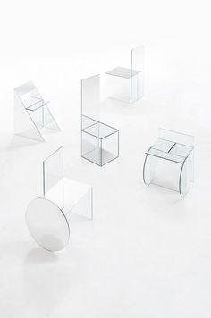 Jeune designer basé à Barcelone, Guillermo Santomà vient de réaliser une très belle collection de mobilier en verre et miroir pour un film de la marque Dri