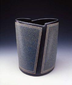 Artist: Gustavo Pérez, Title: Vase (04-157), 2004 - click for larger image
