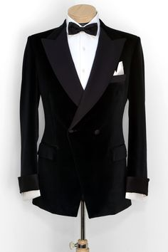 A suit by Carbone Master Tailors. provides lots of tips for grooms - visit www. All Black Tuxedo, Black Tuxedo Jacket, Tuxedo Suit, Tuxedo For Men, Tuxedo Wedding, Wedding Suits, Mens Fashion Suits, Mens Suits, Dinner Suit