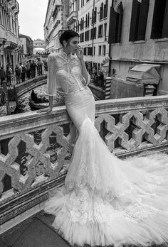 Hochzeitskleider 2015: Herzfrörmiges Korsett und Mermaid-Stil von Inbal Dror