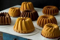 Ihannekakku - Sweet Food O´Mine Sweet Bakery, Tuli, Sweet Recipes, Deserts, Sugar, Cookies, Food, Bundt Cakes, Style