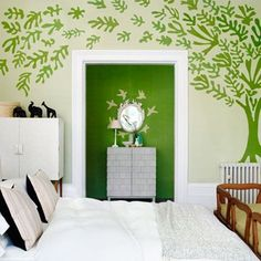 Inspired by the Matisse exhibition at the Tate Modern, House & Garden's decoration editor Gabby Deeming created bespoke wall coverings that pay homage to the joie de vivre of the artist's paper-cuts with the help of the design team at de Gournay. Matisse, Kids Bedroom, Bedroom Decor, Bedroom Ideas, Modern Bedroom, My New Room, Home Interior Design, Wallpaper, Home And Family