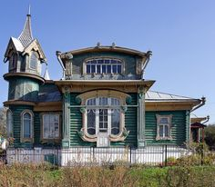 The house of ship owner Mikhail Shorin in Gorokhovets Wooden Architecture, Russian Architecture, Art Nouveau Architecture, Architecture Details, Unique Buildings, Interesting Buildings, Beautiful Buildings, Beautiful Homes, Abandoned Buildings