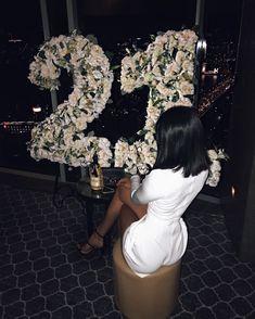 26 Best Birthday party cake & decor photos by jeetudhakouliya Birthday Goals, 23rd Birthday, Birthday Celebration, 21st Birthday Outfits, Birthday Fashion, 21 Birthday Wishes, Birthday Dresses, 21st Bday Ideas, 21st Birthday Decorations