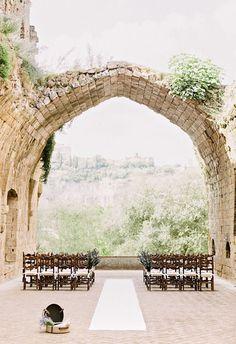 wedding ceremony idea. photo: Cristiano Brizzi, Facibeni Fotografia via Bridal Musings