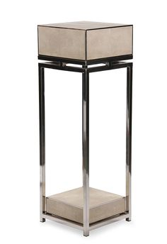 Pillar, CENTRY SILVER, white resin stingray and polished stainless steel frame. CRAVTAUCTION: Auction of Luxury Furniture and Interiors. If you are involved in the fields of interior design, property development, architecture or luxury furniture you can't afford to miss the Cravt Auction. Don't miss this unique opportunity to acquire Cravt luxury furnishings. The auction will take place between 16th -18th May 2017 - Visit http://cravtauction.com/ for more details.