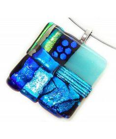 Handgemaakte blauw-groene dichroic glashanger!