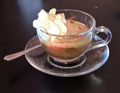 """Oggi come il 25 febbraio al #TourDay, che ne dite di una passeggiata in centro a #Pontremoli, con sosta all'ombra del Campanun? Con sosta al Caffè Letterario che, tra un cappuccino e un aperitivo, offre nel suo """"punto delizia"""" un gelato artigianale davvero ottimo. Un gelato che insieme alle altre prelibatezze riesce a stupire ogni cliente, come siamo certi accadrà anche con l'ultima creazione.  In anteprima per noi, quello che Roberto e i suoi collaboratori hanno inventato per questa…"""