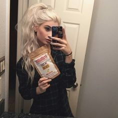 courtney dickerson Black And Grey Hair, White Blonde Hair, Elf Hair, Beautiful Hair Color, Platinum Hair, Crazy Hair, Layered Hair, Love Hair, Silver Hair