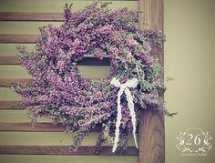 fotogalerie – Květinový Ateliér 26 Grapevine Wreath, Grape Vines, Floral Wreath, Wreaths, Home Decor, Atelier, Floral Crown, Decoration Home, Door Wreaths