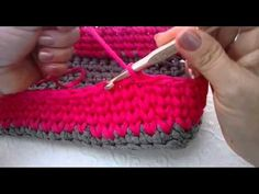 Tutorial Cesta de trapillo dos colores - YouTube