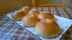 Gluteenitonta leivontaa: Voisilmäpullat Tortillas, Dessert Recipes, Desserts, Fodmap, Cooking Tips, Easy, Muffins, Bread, Homemade