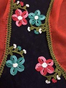 çiçek motifli iğne oyası modeli