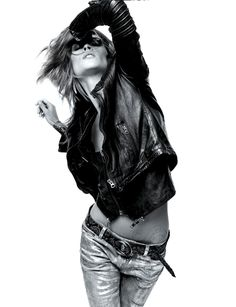 Inspiration for Photography | photographymidwest.com | pose | rick star | rock and roll | fashion | black and white