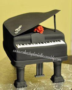 Baby Grand Piano  Cake by CBD