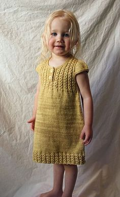 Goldilocks pattern by Justyna Lorkowska tunic or dress, top down Source by neslihanoztin The post Goldilocks pattern by Justyna Lorkowska appeared first on Do It Yourself Fashion. Knitting For Kids, Baby Knitting Patterns, Baby Patterns, Free Knitting, Knitting Projects, Dress Patterns, Ropa Free People, Crochet Baby, Knit Crochet