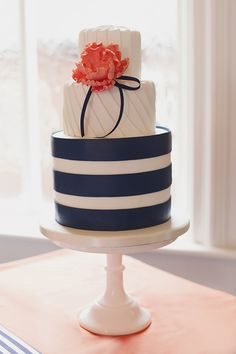 Bright Bold Graphic Stripe Wedding Cake Navy Coral Ideas http://www.emmacleveleyblog.co.uk/