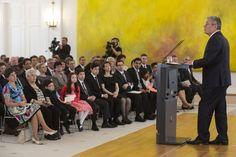 Bundespräsident Joachim Gauck hält eine Rede bei der Einbürgerungsfeier anlässlich 65 Jahre Grundgesetz in Schloss Bellevue