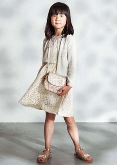 Le Big white look! Lace Skirt, Sequin Skirt, Big Spring, Big Party, Mode Outfits, Sequins, Beige, Chic, Skirts