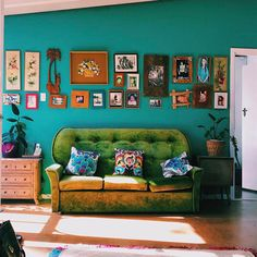 Colourful Living Room, Bohemian Living Rooms, Bohemian House, Bohemian Apartment, Bohemian Bedroom Decor, Bohemian Interior, Living Room Decor, Boho Decor, Bohemian Chic Home