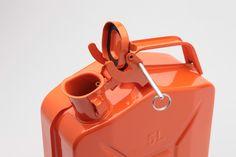 ガソリンタンク 5リットル缶