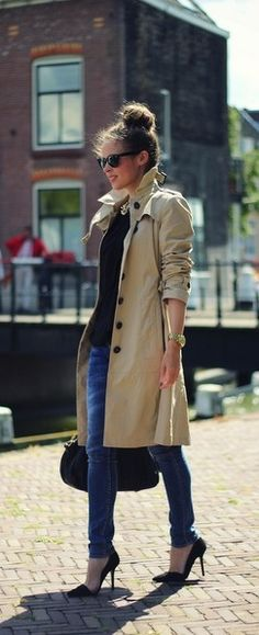 Classic trench coat and black pumps