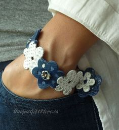 Leather Accessories, Leather Jewelry, Leather Craft, Beaded Jewelry, Leather Embroidery, Leather Flowers, Homemade Jewelry, Jewelry Patterns, Clay Earrings