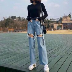 casual date outfit Korean Outfits, Mode Outfits, Retro Outfits, Cute Casual Outfits, Fashion Outfits, Fashion Trends, Korean Clothes, Ootd Fashion, Style Fashion