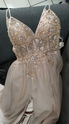 Prom Dresses with Beading V-neck Long Prom Dress Graduation Dress Formal Dress - High Heal Shoes Pretty Prom Dresses, Hoco Dresses, Ball Dresses, Homecoming Dresses, Beautiful Dresses, Evening Dresses, Elegant Dresses, Dresses Dresses, Dress Prom