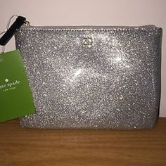 Large silver zip! Large silver zip! 10x 8! Great size! MAKE ME AN OFFER NO OFFER IS TOO LOW! kate spade Accessories