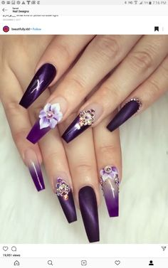 Semi-permanent varnish, false nails, patches: which manicure to choose? - My Nails Purple Acrylic Nails, Best Acrylic Nails, Purple Nails, Bling Nails, Swag Nails, Rhinestone Nails, Hot Nail Designs, Purple Nail Designs, Cute Acrylic Nail Designs