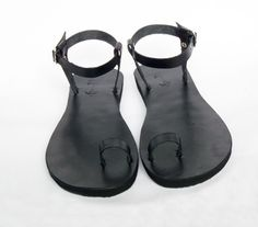 Black Leather Toe Ring Barefoot With Ankle Strap by Calpas on Etsy, $50.00