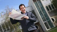 """Cada célula solar orgânica pode gerar de 10 a 50 watts por metro quadrado (50 watts é o suficiente para fornecer energia a um laptop). """"Estamos usando a mesma técnica que você usaria se quisesse estampar uma camiseta"""", explica David Jones, pesquisador da Universidade de Melbourne e Coordenador de Projetos do VICOSC."""