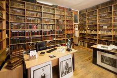 Antique bookshop Paris. Librairie Le Feu Follet - www.editi-ion-originale.com Antique books, rare books, signed books, bindings.