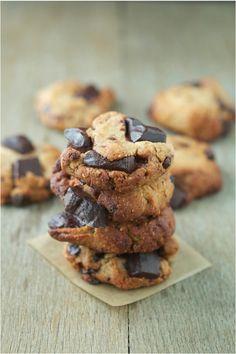 """Paleo Schoko Cookies, low carb, glutenfrei, zuckerfrei und ohne Ei von Mike von """"The Iron You"""""""