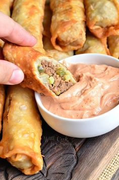 People will be climbing over each other to get to this awesome snack. Easy Cheeseburger Egg Rolls served with a simple sauce on a side. This is one appetizer that your whole family will run to get to first. And if you dare to serve it at a party, people will start climbing over each …