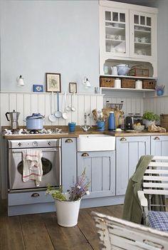 Schwedische landhausküche  Schwedische Landhausküche | Landhausküchen, Schwedisch und Kochen ...