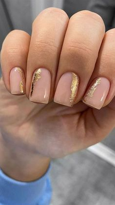 Gold foil on pink nude nails Neutral Nail Art, Nail Selection, Pretty Nail Art, Types Of Nails, Gorgeous Nails, Short Nails, Wedding Nails, Pink Nails, Nail Art Designs